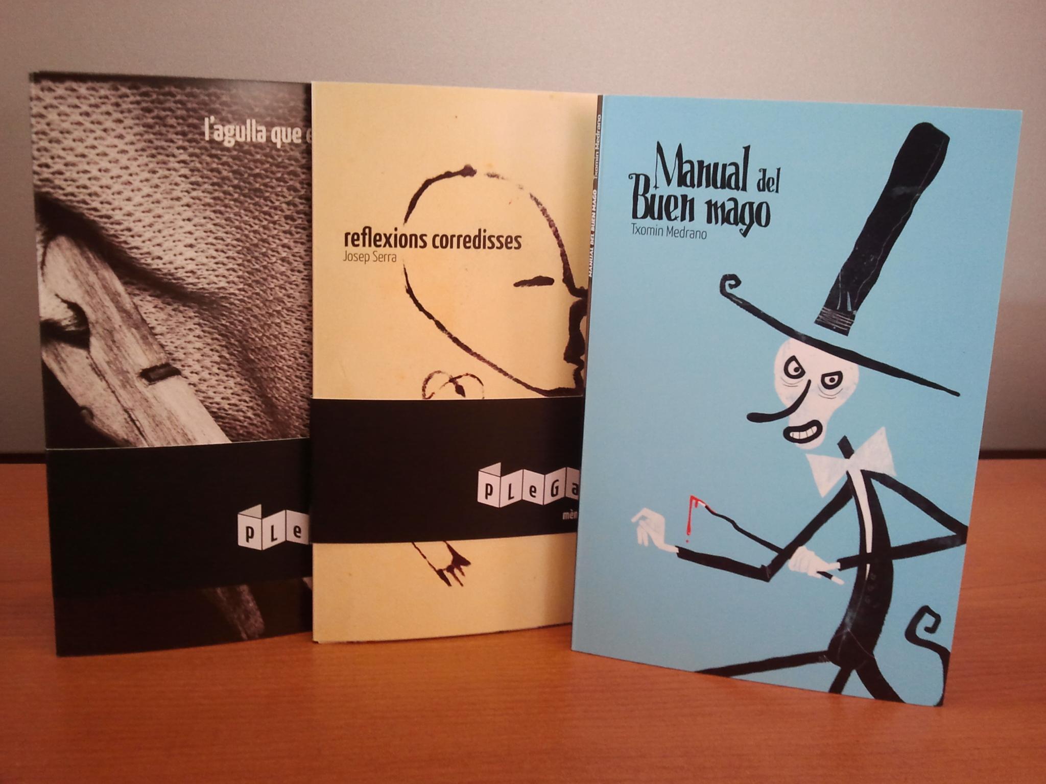 Portada dels tres primers llibrets editats dins de la col·lecció 'Plegats'