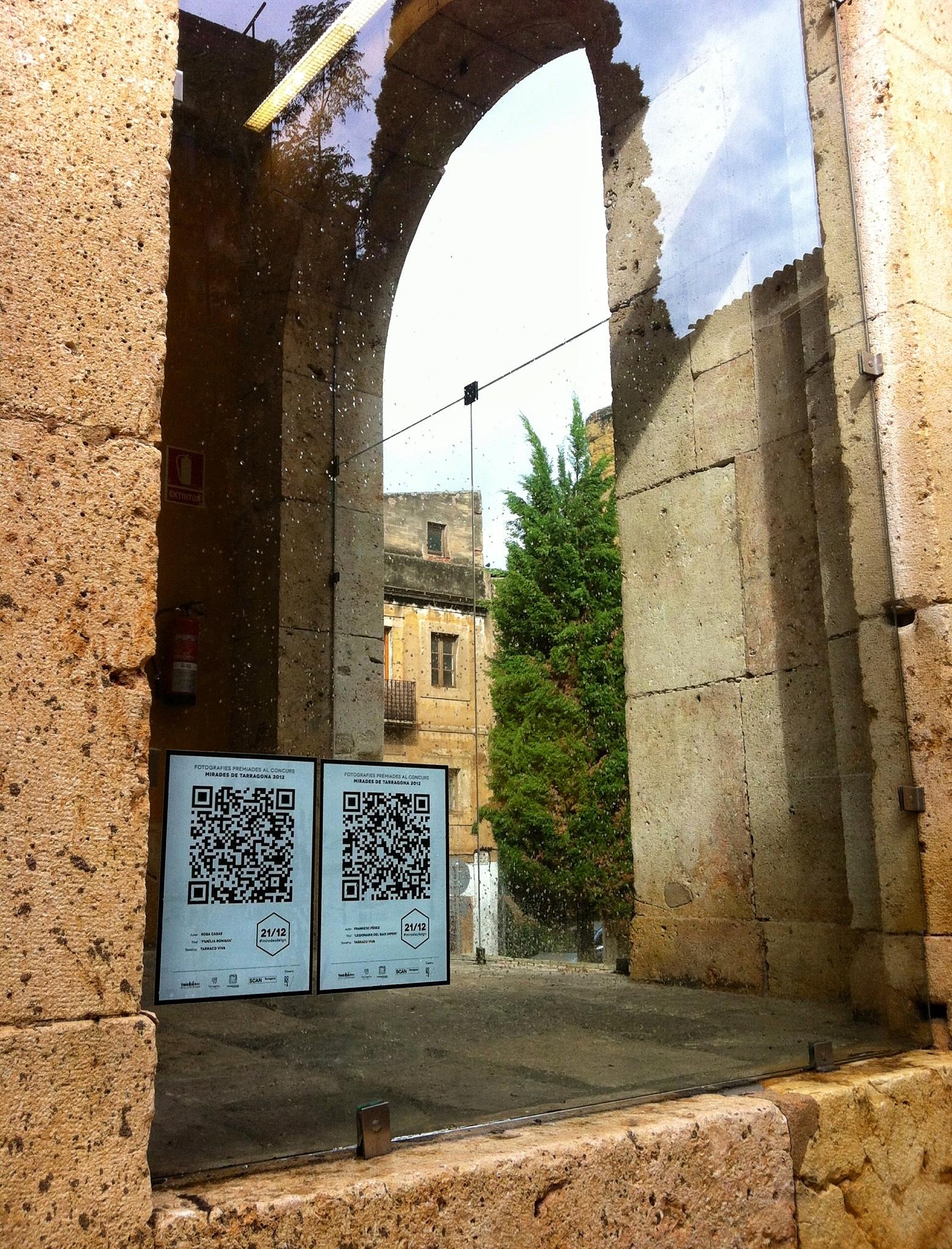 """Codis QR de l'exposició """"21/12"""" a l'Antiga Audiència"""