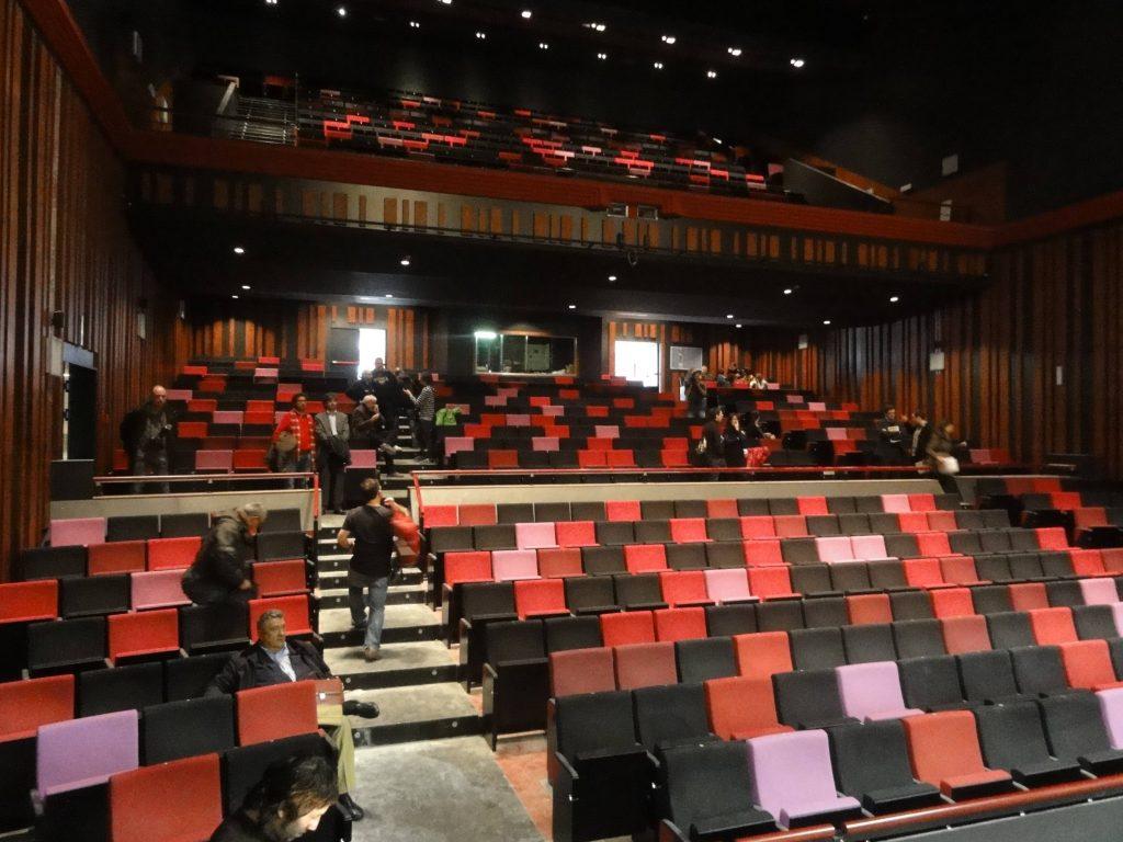 La platea i l'amfiteatre del Teatre Tarragona vist des de l'escenari