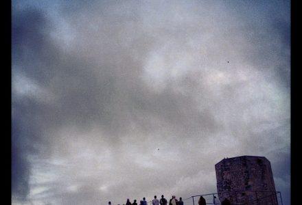 1r premi Mirades de Tarragona 2012 - @labolainfinita - Esperando la llegada del Emperador romano (rebuda per Instagram)