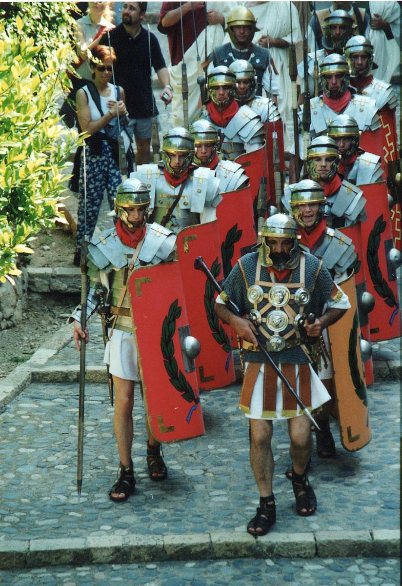 La Legio VII Gemina al passeig Arqueològic, en una de les seves primeres sortides a Tarraco Viva