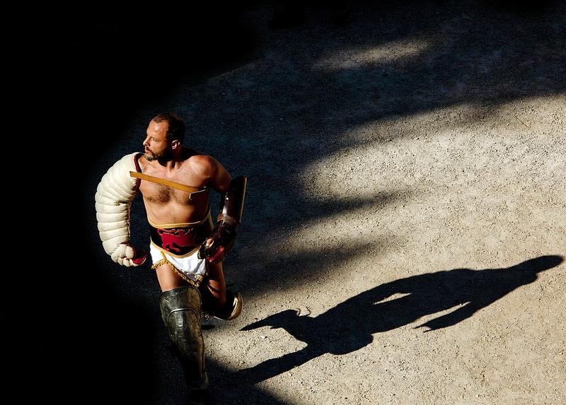 1r premi concurs fotogràfic Mirades de Tarragona sobre Tarraco Viva 2013 - Cinta Bosch - Llum i ombres d'un passat gloriós
