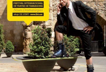Un dels cartells promocionals del FITT 2013, amb el seu director, Joan Negrié, al davant de les Voltes del Pallol