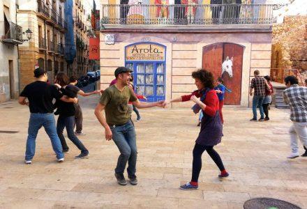 Clandestí de lindy hop a la plaça dels Sedassos