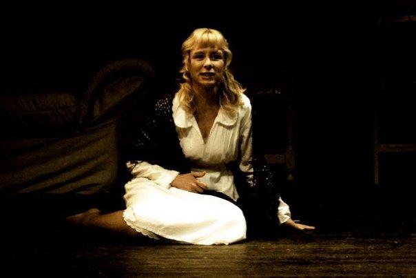 Anna Plaza en una representació teatral