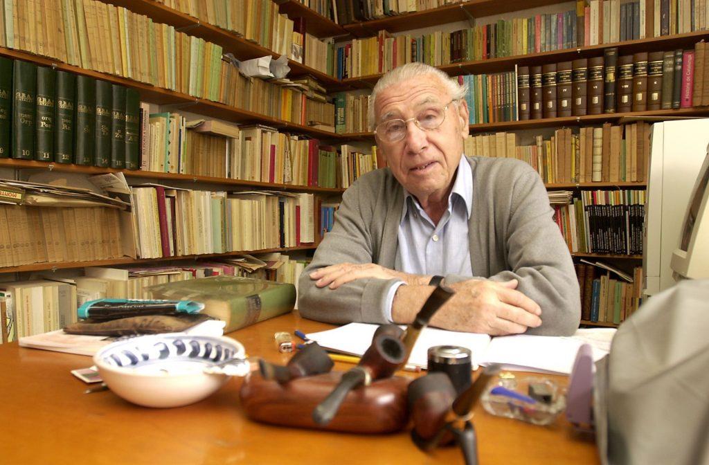 Josep Maria Recasens al seu estudi. Foto Ninín Olivé. Fons Diari de Tarragona