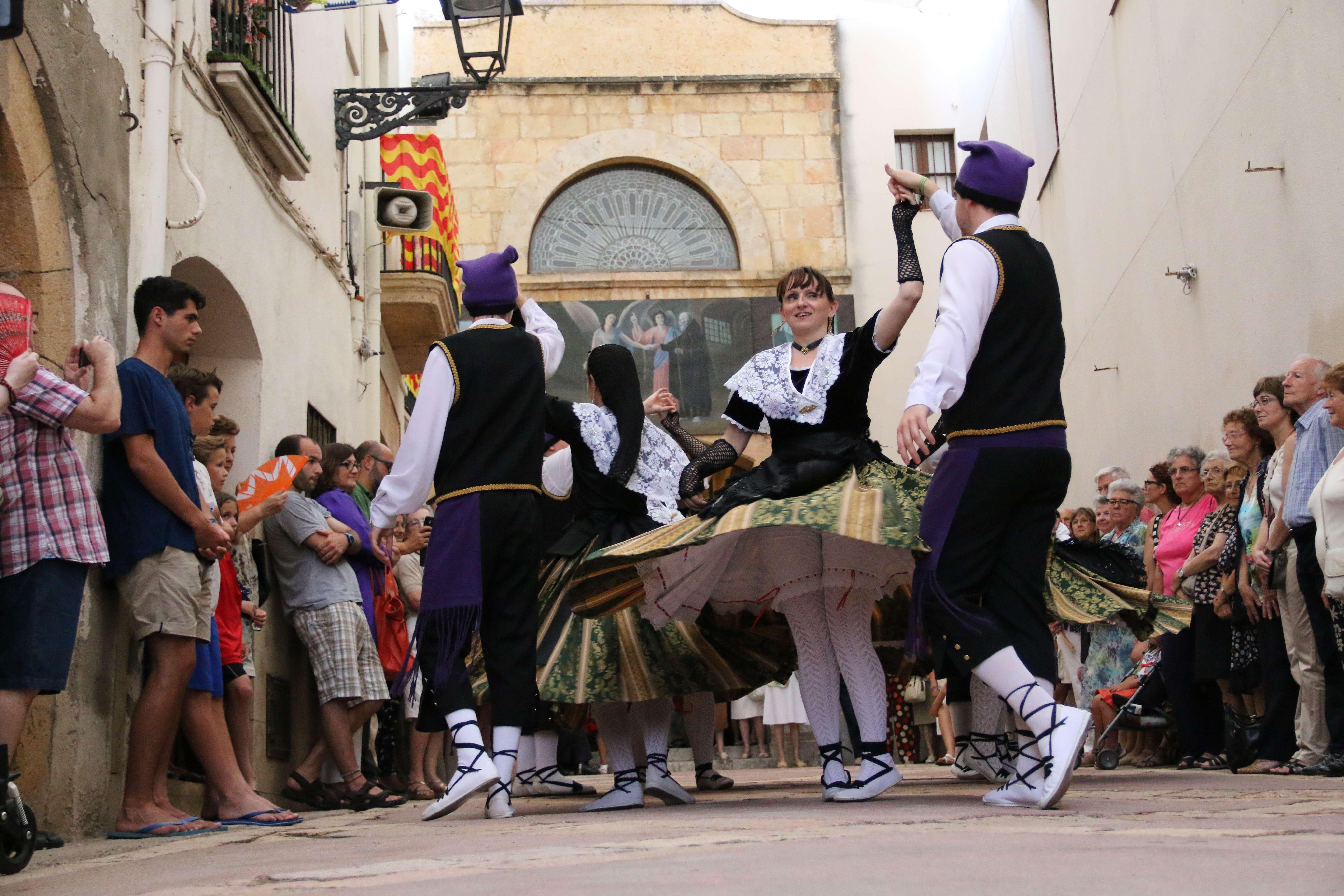 Representació del Ball Pla de Sant Magí a càrrec de l'Esbart Dansaire