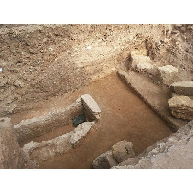 Anys 259, 1926, i 2014. Moments històrics i únics. Visita a la tomba de Sant Fructuós i els seus diaques Auguri i Eulogi. Foto de Maritedek