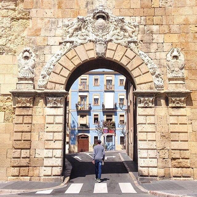 Portal de Sant Antoni: @martaflower