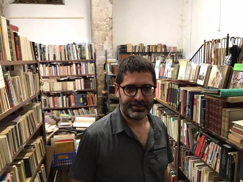 A la llibreria Amagada de Santes Creus