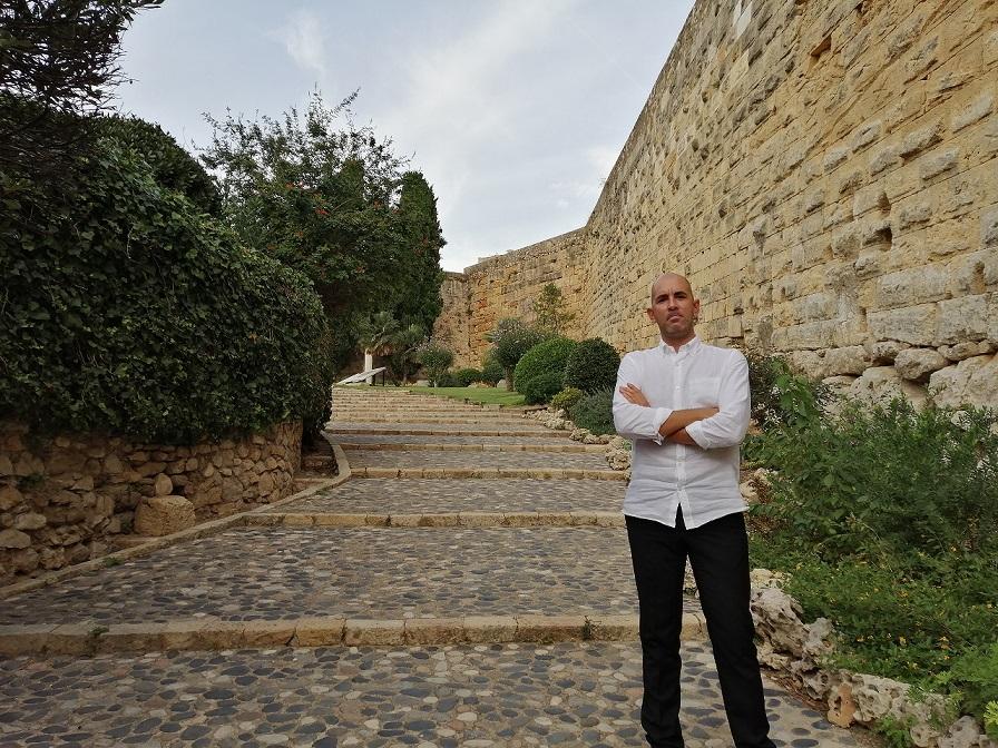 Julio Villar al passeig Arqueològic, un dels espais que ocuparà Argos de l'11 al 18 d'octubre.