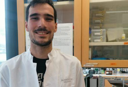 Eduard Daura al laboratori