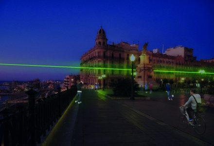 Recreació de la instal·lació artística 'La llum de Santa Tecla' al Balcó del Mediterrani